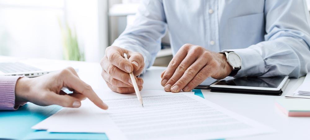 Warum gibt es eine AGB-Kontrolle bei vorformulierten Arbeitsverträgen?