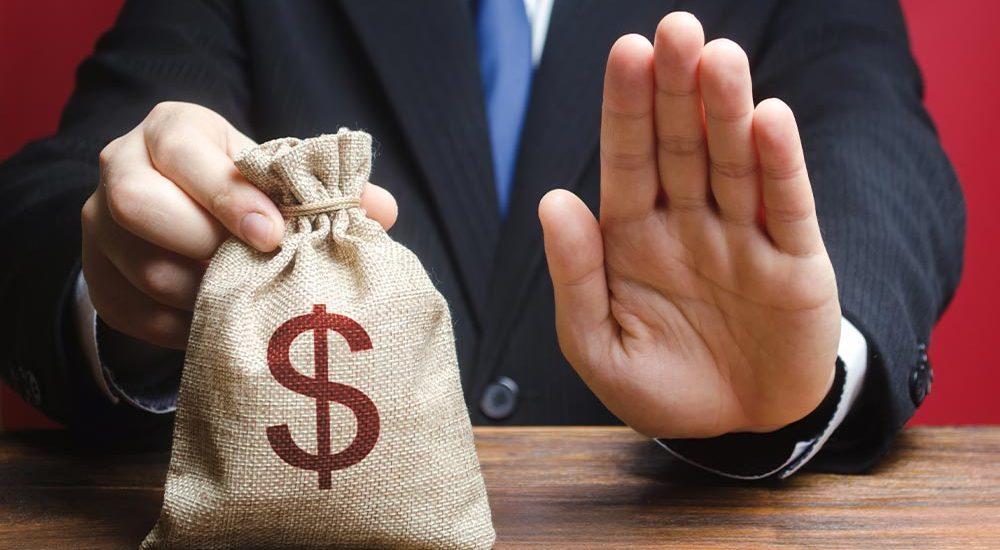 Keine Lohnfortzahlung ohne Arbeitsvertrag nach Kündigung