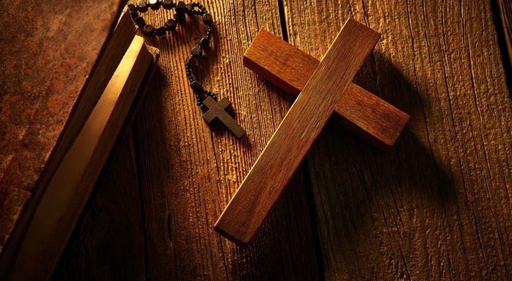 Kirchliches Arbeitsrecht: Scheidung ist kein Kündigungsrecht
