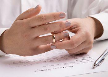 Scheidung ohne Anwalt - Ist das überhaupt möglich?