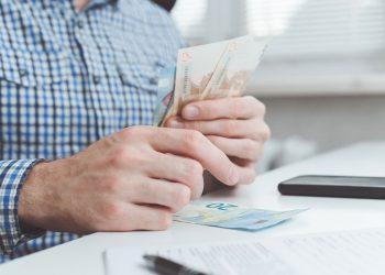 BGH zu Thema Unterhalt: Gut-Verdiener muss Einkommen offenlegen